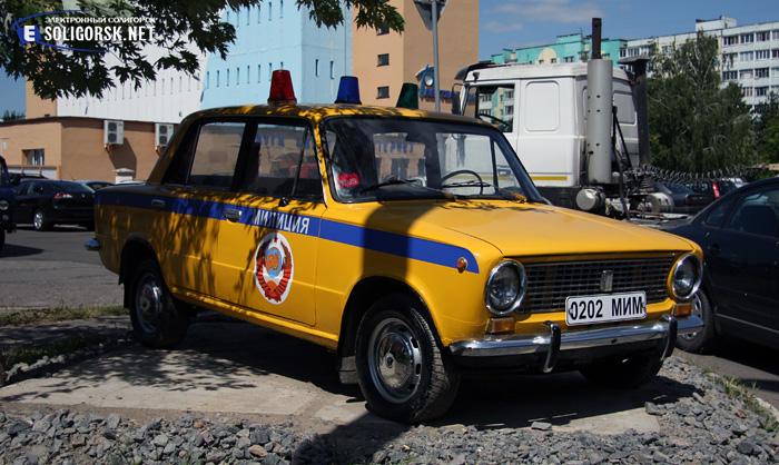 Ретро автомобиль и мотоцикл в Солигроске